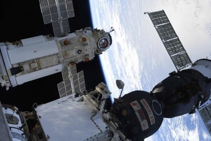 Um bug no espaço: a Rússia explica por que os propulsores de seu módulo foram acionados
